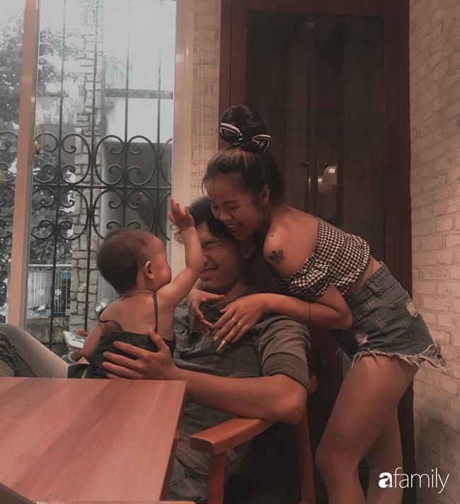 Ngọc Bích và Anh Tuấn cùng con gái của cô.