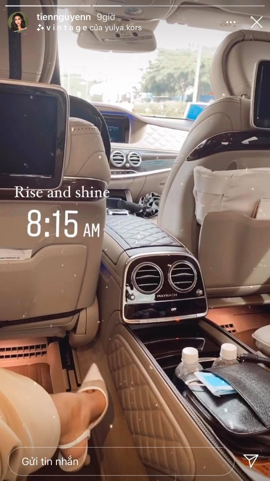 Nàng rich kid Tiên Nguyễn lần đầu hé lộ nội thất bên trong chiếc xe hơi đang sử dụng.