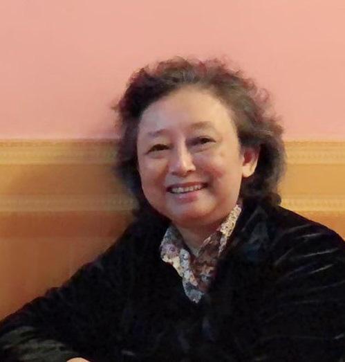 Bà Phan Vũ Diễm Hằng (Trưởng nhóm Ong chăm).