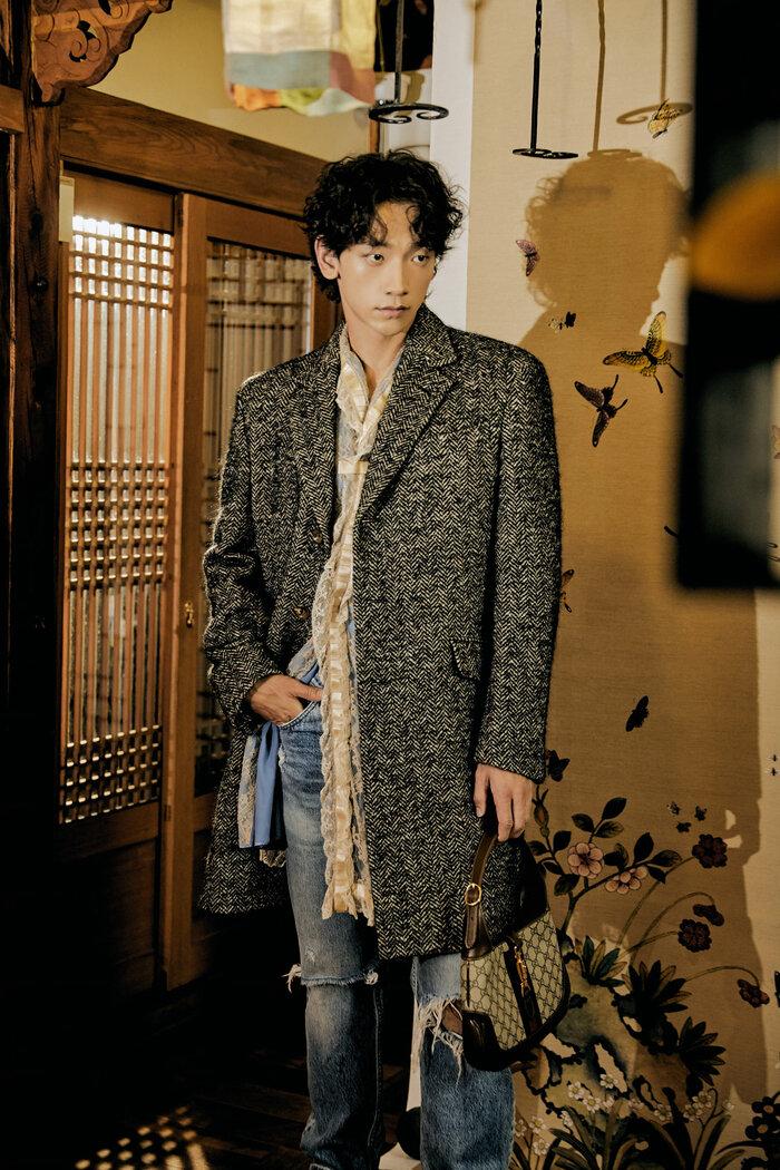 Chồng của mỹ nhân Kim Tae Hee vốn luôn ưa chuộng các phong cách trẻ trung, năng động và hầm hố.