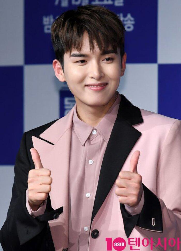Ryeowook lên tiếng bảo vệ bạn gái idol kém 8 tuổi, xin lỗi fan và Super Junior sau tin hẹn hò 8