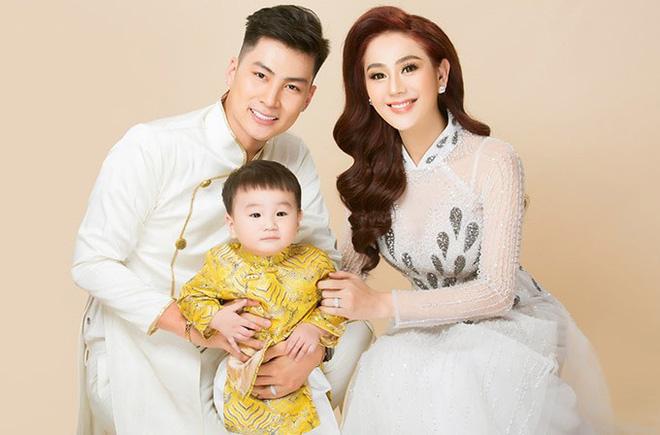 Để thỏa mơ ước làm mẹ, Lâm Khánh Chi đã chi hàng tỷ đồng để nhờ người sinh con từ tinh trùng lưu trữ trước khi chuyển giới.