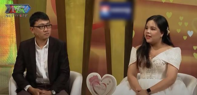 'Vợ chồng son': Nam khách mời lên truyền hình kể vợ sửa mũi, sửa cằm, bao nhiêu cái xấu nằm trên mặt vợ hết 2