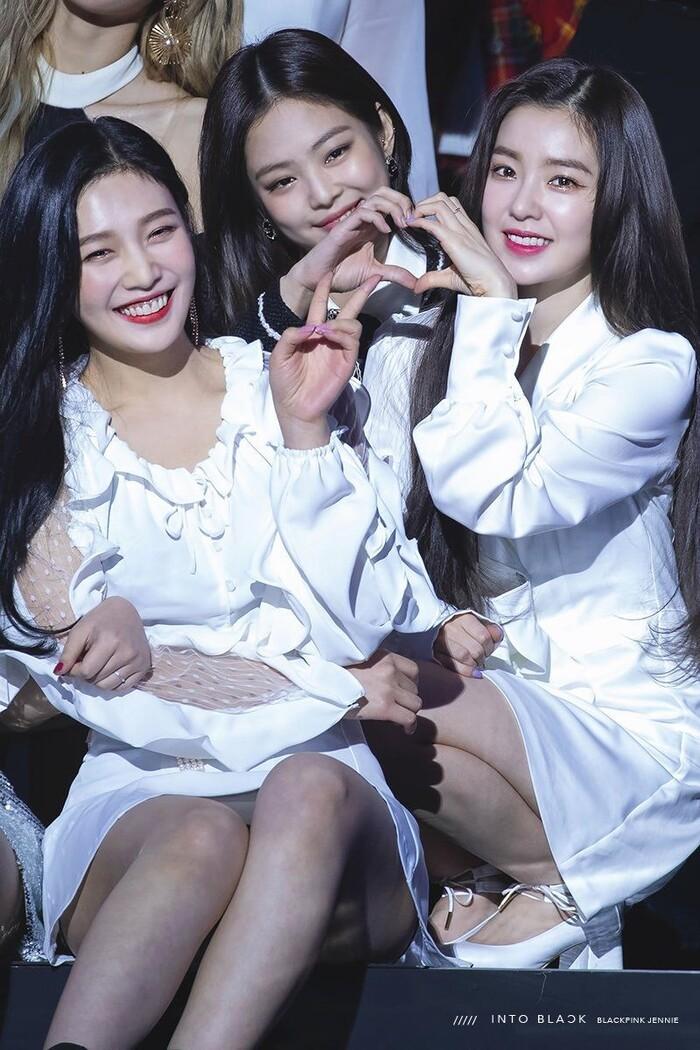 Joy, Jennie và Irene.