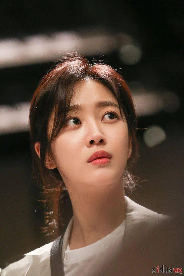 'Ngọc nữ' của Lee Dong Wook: Từng béo tròn nhưng cuối cùng vẫn thon thả gợi cảm nhờ duy trì uống 1 loại nước mỗi tối và 6 tip giữ dáng hiệu nghiệm 2