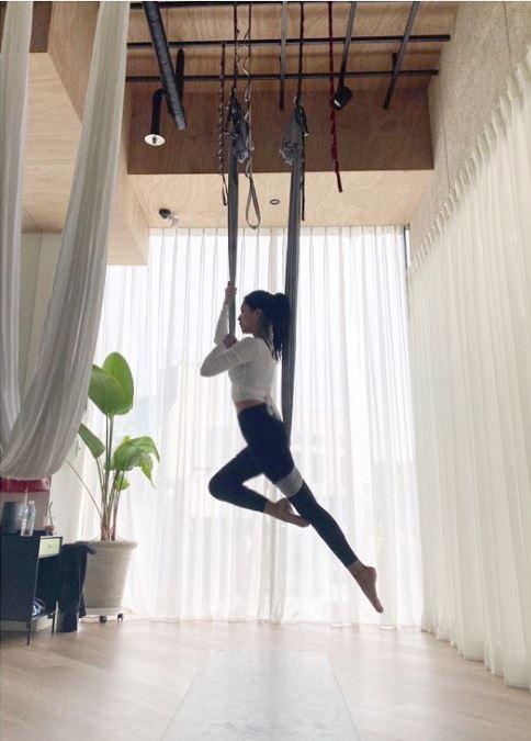 'Ngọc nữ' của Lee Dong Wook: Từng béo tròn nhưng cuối cùng vẫn thon thả gợi cảm nhờ duy trì uống 1 loại nước mỗi tối và 6 tip giữ dáng hiệu nghiệm 16