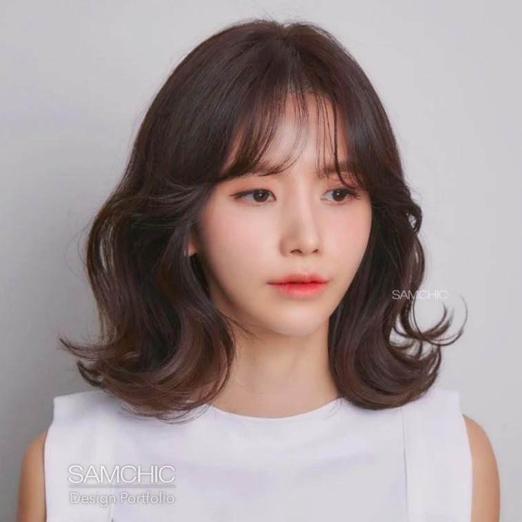 Kiểu tóc mái dành cho những nàng có lông mày thưa thớt, ngắn một mẩu 4