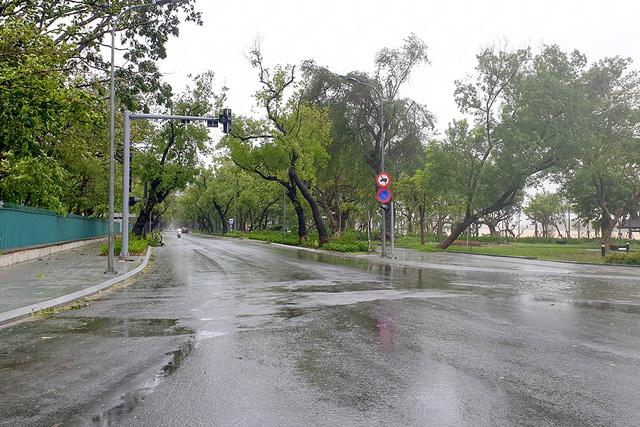Thành phố Huế không bị ảnh hưởng gì lớn khi bão Molave đổ bộ.