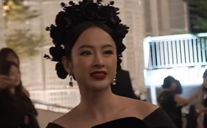 Bị hỏi về chuyện quyên góp giúp đồng bào miền Trung, Angela Phương Trinh đáp trả bất ngờ 0