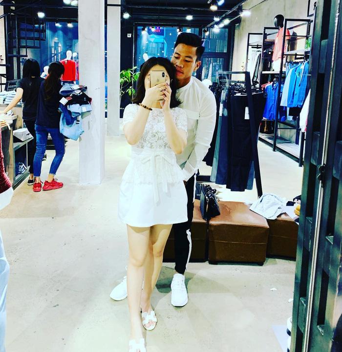 Lê Văn Sơn và bạn gái. Ảnh: FBNV