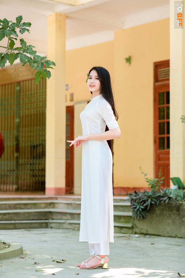 Đỗ Thị Hà là một nữ sinh giản dị trước khi trở thành Hoa hậu Việt Nam.