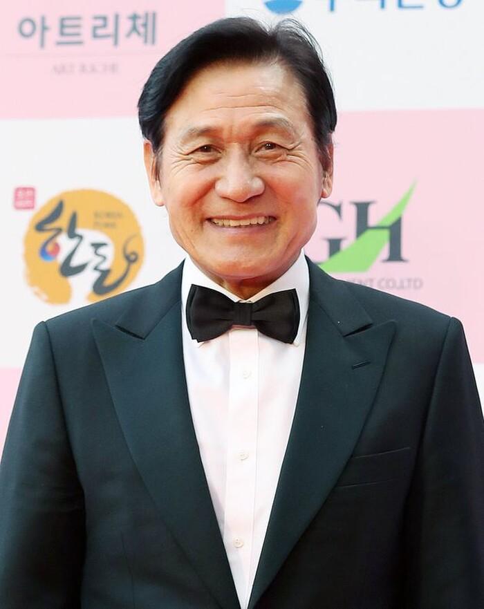 Ahn Sung Gi.
