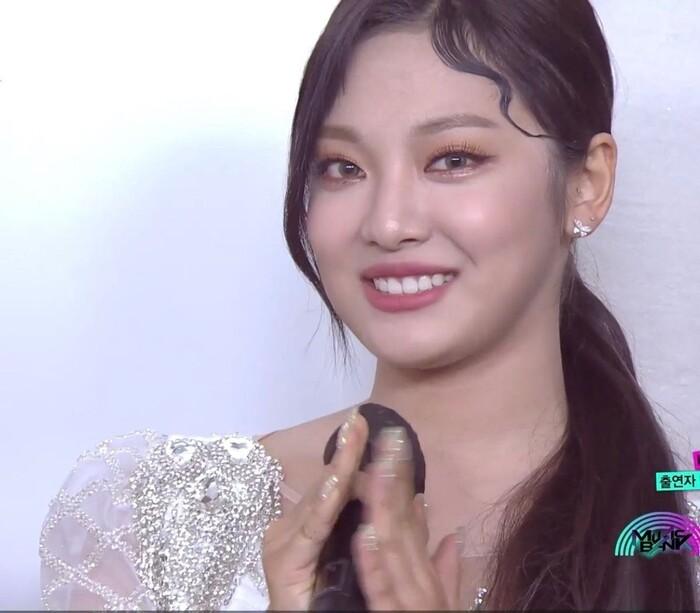 Ningning (aespa) chính là 'tiểu Jennie (Blackpink), Knet: Giống cả Joy (Red Velvet) và Jihyo (TWICE) 12