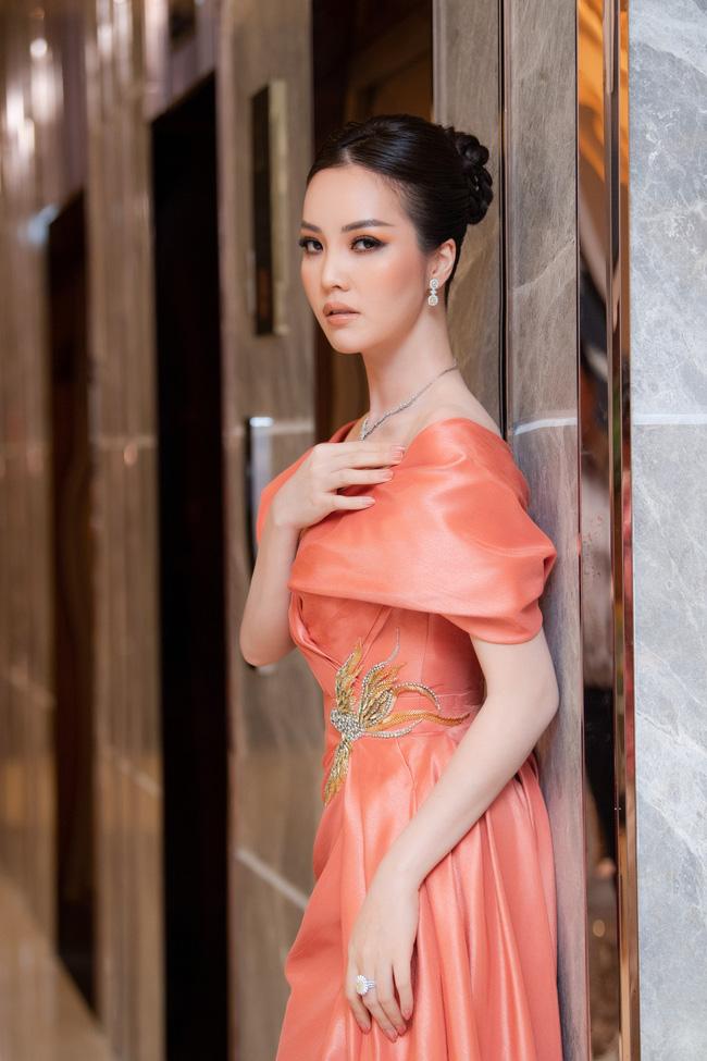 Phỏng vấn nóng giám khảo HHVN 2020 - Á hậu Thụy Vân: Tiết lộ tính cách thật và điều bí mật phía sau đôi chân mê người của Đỗ Thị Hà 8