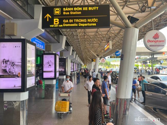 Phía sân bay Tân Sơn Nhất cho rằng cách phân làn mới giúp giao thông ổn định hơn và không còn chen chúc.