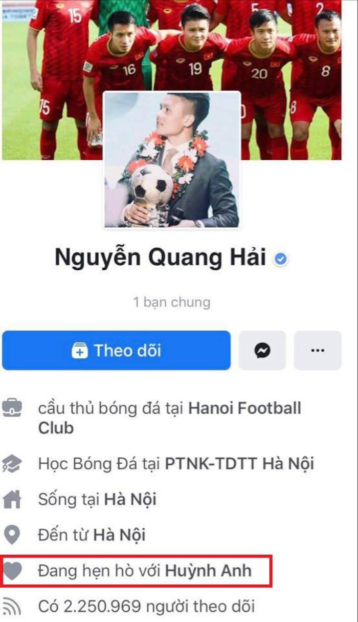 Trước đó, Quang Hải thi thoảng lại ẩn rồi hiện trạng thái đang hẹn hò với Huỳnh Anh.