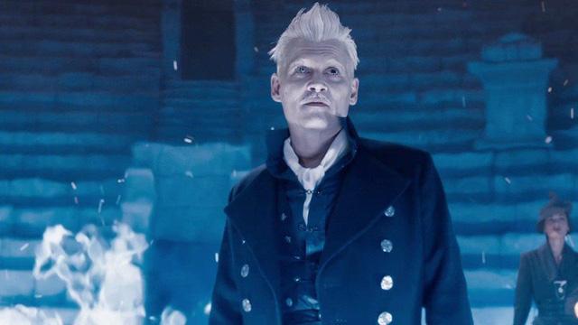 Tạo hình của Johnny Depp trong vai Grindelwald -Fantastic Beasts 3.(Ảnh: NME)