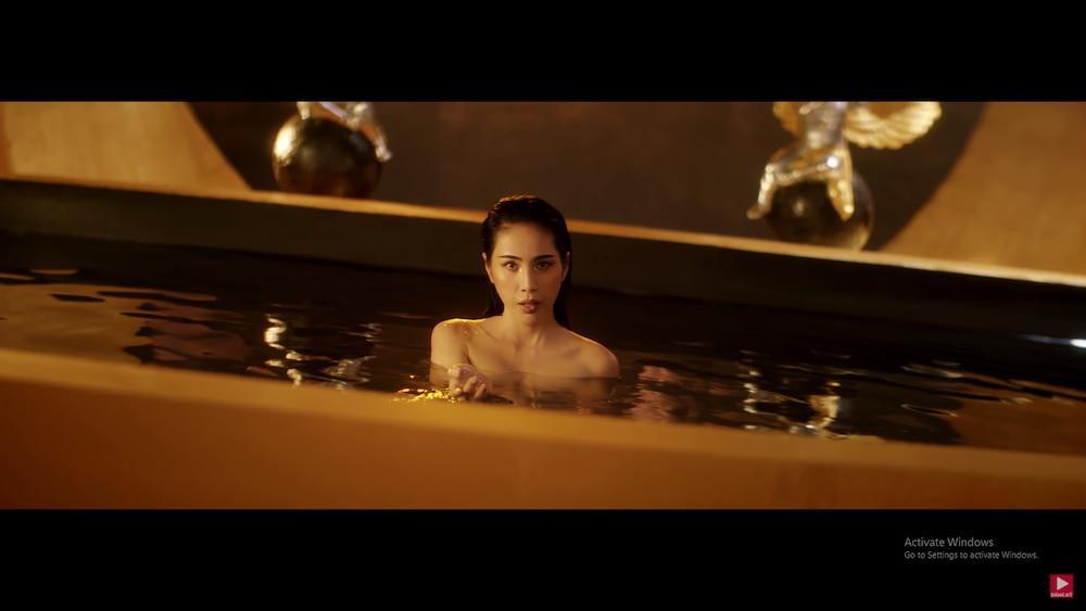 Thủy Tiên khoe trọn cơ thể trong MV mới, 'hot girl chuyển giới' Linda bất ngờ xuất hiện chiếm spotlight 11
