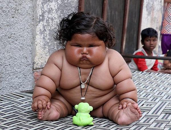 Từ khi mới 4 tháng tuổi, cân nặng của Chahat đã tăng đột ngột.