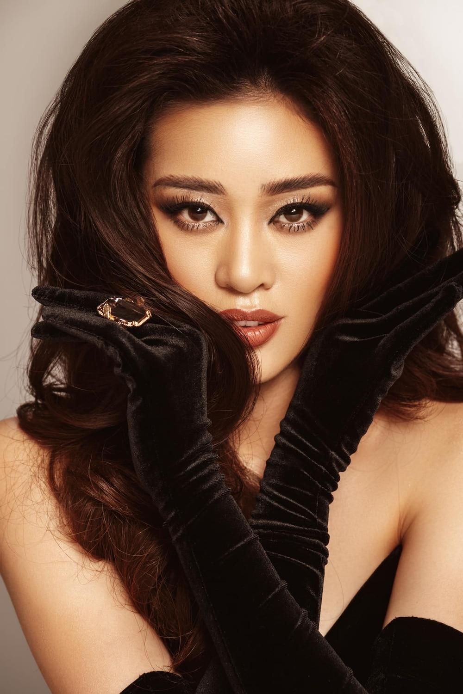 Khánh Vân bất ngờ cắt tóc ngắn, fan khen ngợi nhưng tiếc style mái dài phù hợp thi Miss Universe 5