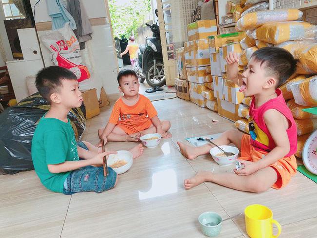 'Tài sản' vô giá của Đinh Giang chính là 5 đứa con: 4 trai, 1 gái
