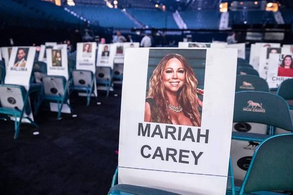 Nữ Diva Mariah Carey tái xuất sau thời gian vắng bóng.
