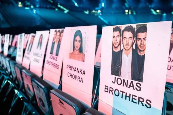 Anh em nhà Jonas Brothers.