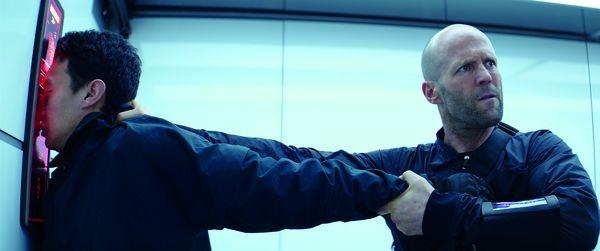 Khách mời họp báo ra mắt Fast & Furious: Hobbs & Shaw hỗn loạn chạy khỏi rạp do cháy 0