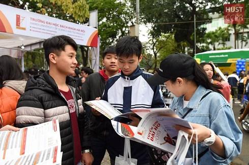 Năm 2019, Đại học Bách khoa Hà Nội tuyển sinh khóa 64 với tổng chỉ tiêu dự kiến là 6.680 sinh viên vào 55 chương trình đào tạo đại học chính quy (Ảnh minh họa: hust.edu.vn)