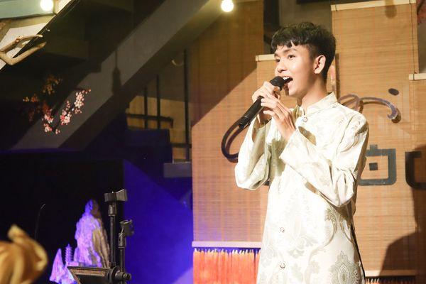'Anh Sáu' Đoàn Minh Tài rưng rưng nước mắt nhắc về hào quang The Voice Kids trong đêm minishow tuổi 19 6