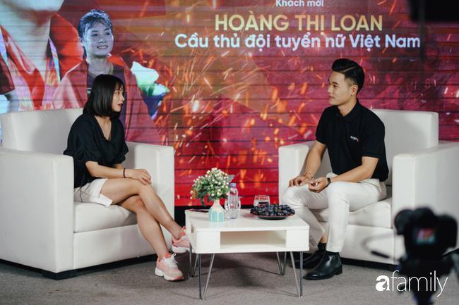 Gặp gỡ Hoàng Thị Loan - 'hot girl' xinh đẹp nhất đội tuyển U22 quốc gia: Chưa có bạn trai, thích Văn Hậu và Sơn Tùng M-TP 0