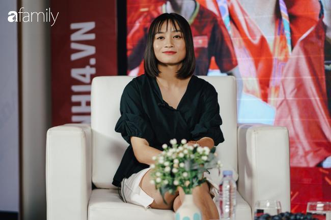 Gặp gỡ Hoàng Thị Loan - 'hot girl' xinh đẹp nhất đội tuyển U22 quốc gia: Chưa có bạn trai, thích Văn Hậu và Sơn Tùng M-TP 5