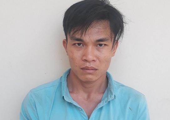 Đối tượng Nguyễn Chí Tâm tại cơ quan công an. Ảnh: Người Đưa Tin.