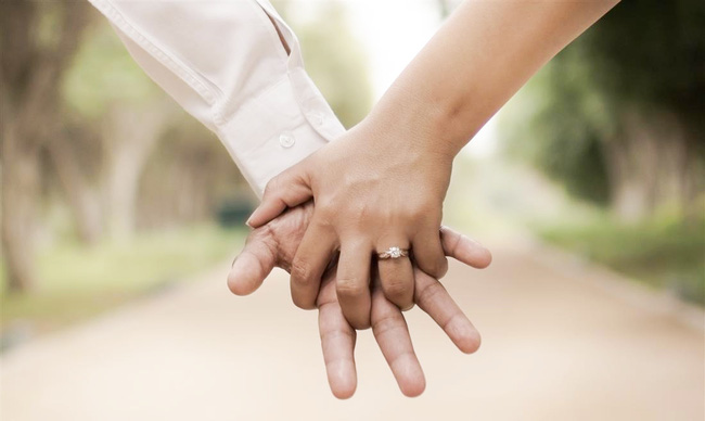 Từ 'phản ứng thái quá' của người mẹ trong show hẹn hò: Hóa ra thời nay, vẫn có những bà mẹ thích chọn rể chứ nhất quyết không để con gái chọn chồng! 2