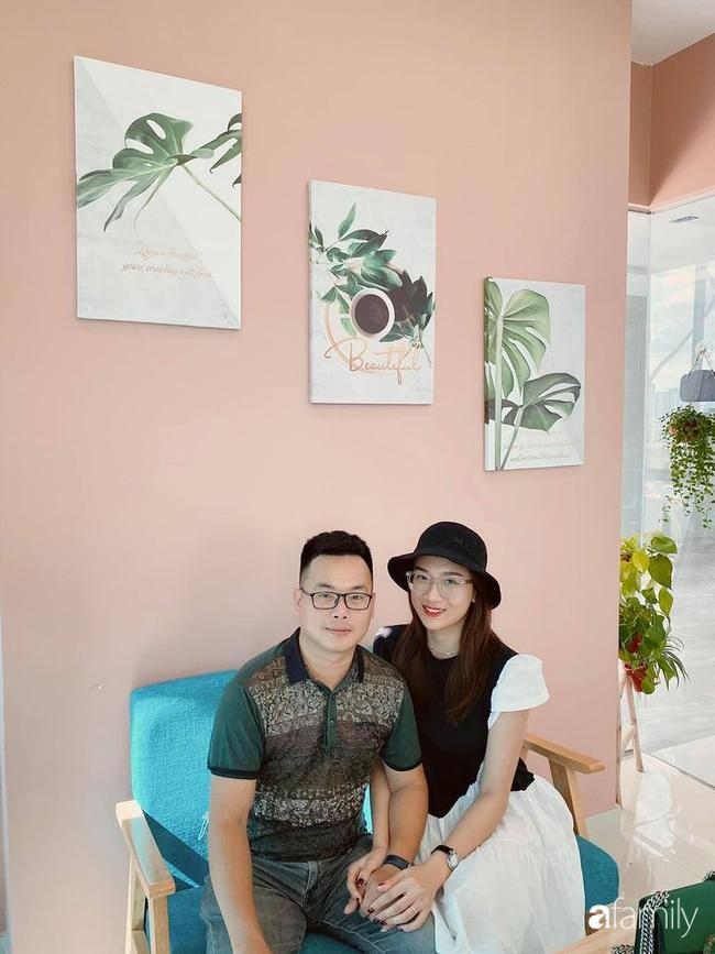 Vợ chồng Linh.