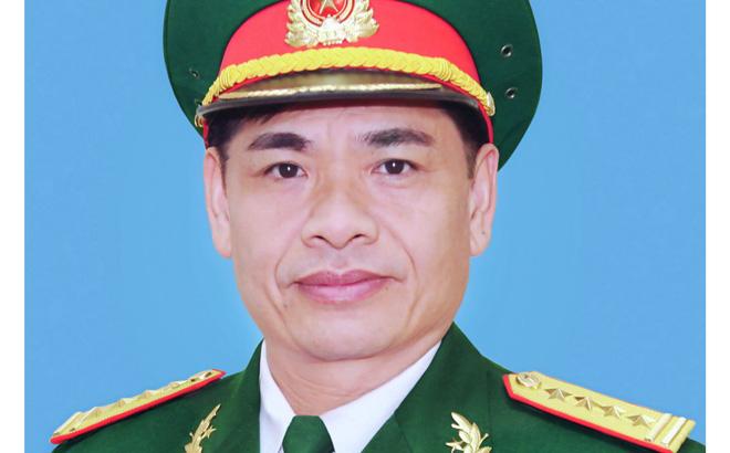 Thiếu tướng Nguyễn Hữu Hùng khi còn đeo quân hàm Đại tá.