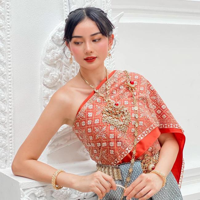 Cô gái Việt lấy chồng đại gia người Thái Lan bật mí cánh lấy lòng mẹ chồng cực ấn tượng, khiến ai nấy cũng phải nể phục tài năng của cô nàng 1