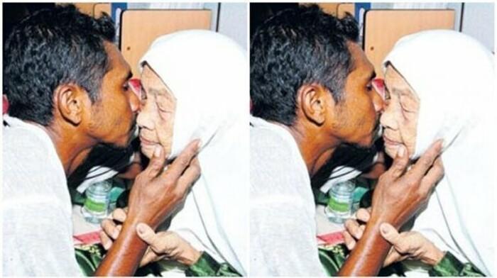 Cặp đôi thường xuyên trao cho nhau những nụ hôn ngọt ngào.