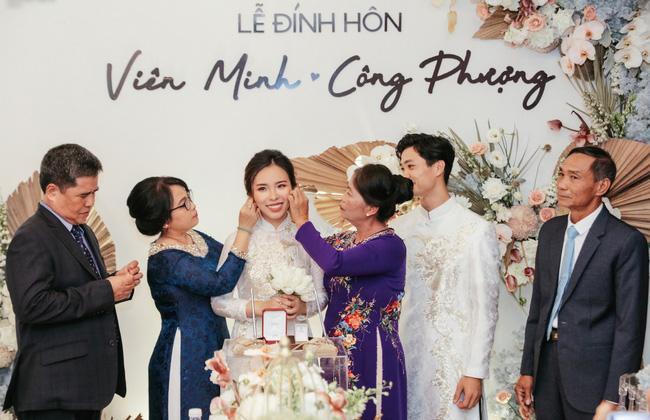 Chồng là cầu thủ quốc gia, vợ là ''thiên kim tiểu thư'' siêu giàu, nhưng đám cưới tại gia của Công Phượng sáng nay lại đơn giản đến khó tưởng cùng tiêu chí ''sang chứ không khoe''! 5