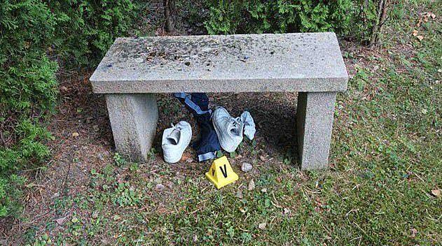 Quần áo và đồ dùng cá nhân của 2 cậu bé đã được tìm thấy gần hiện trường xảy ra vụ việc.