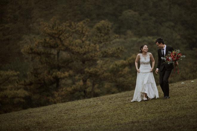 Coi bói xong, họ đã đưa nhau lên Đà Lạt chụp ảnh cưới luôn.