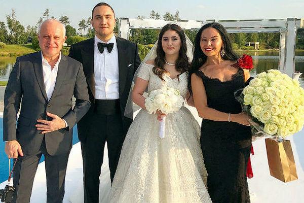 Sau đám cưới xa hoa với con trai của cựu quan chức, tiểu thư nhà tỷ phú Nga bị phanh phui vụ ngoại tình, 'kẻ thứ 3' có danh tính khủng không kém 1