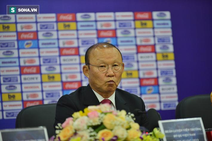 Rõ ràng, thầy Park hiểu được những áp lực rất lớn đang chờ đợi mình trong tương lai.