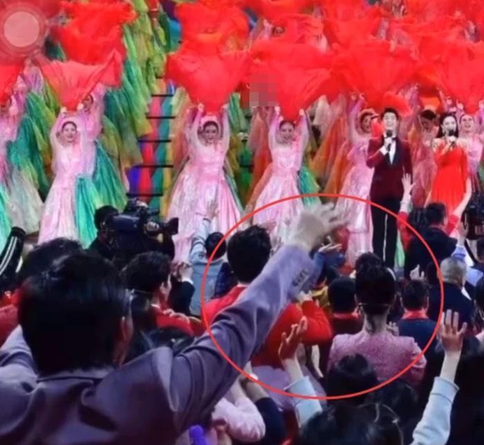 Chỉ 1 chi tiết nhỏ, fan couple Dương Tử - Lý Hiện khẳng định chắc nịch thần tượng đang hẹn hò 8