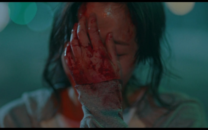 Preview đẫm máu tập 11 của Quân vương bất diệt, Kim Go Eun bất lực vì cứu Lee Min Ho? 5