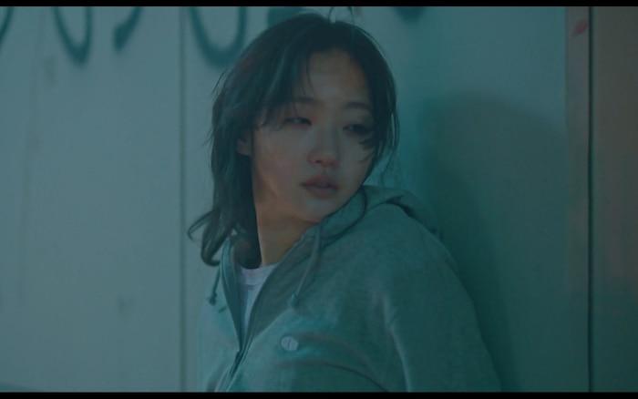 Preview đẫm máu tập 11 của Quân vương bất diệt, Kim Go Eun bất lực vì cứu Lee Min Ho? 2