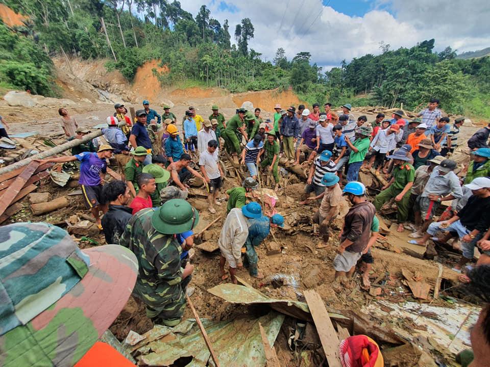 Công tác tìm kiếm cứu nạn gặp nhiều khó khăn