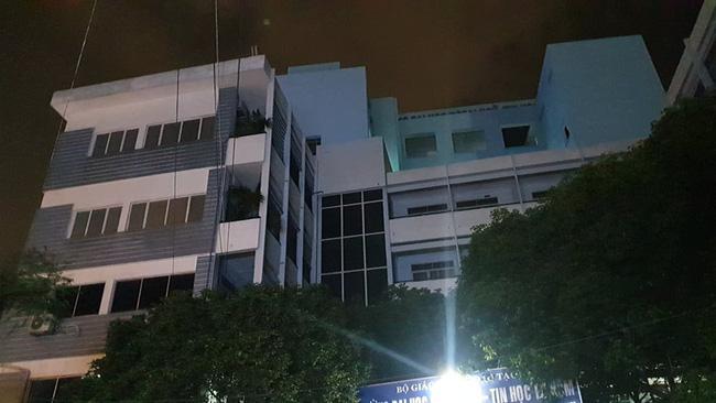 Ngôi trường nơi phát hiện thi thể nạn nhân. Ảnh: Dân Việt