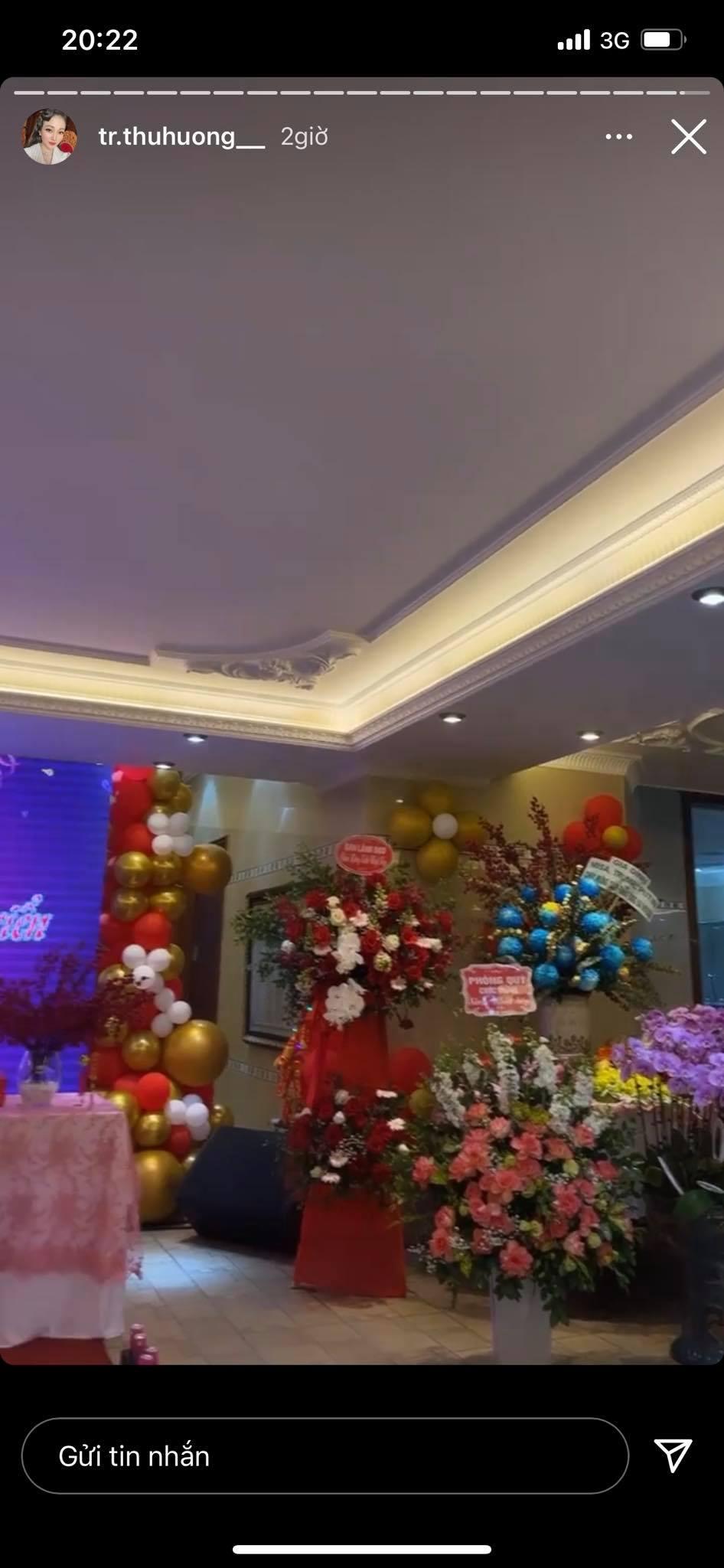 Cô dâu đeo 200 cây vàng bất ngờ chiếm trọn spotlight trên mạng xã hội khi tổ chức tiệc sinh nhật hoành tráng tại lâu đài xịn bậc nhất Nam Định 4