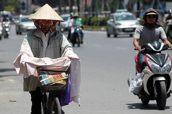 Sau chuỗi ngày mát mẻ như mùa thu, Hà Nội và các tỉnh Bắc Bộ đón đợt nắng nóng gay gắt với nền nhiệt 40 độ kéo dài nhiều ngày 0